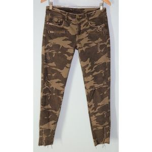 Zara Basic Size 30 / 8 Distressed Camouflage Pants